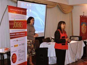 La-Jueza-Gloria-Pasten-disertó-sobre-violencia-de-género-en-marco-del-Programa-Jóvenes-2015-16